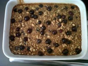 Banana and blueberry oatmeal bake